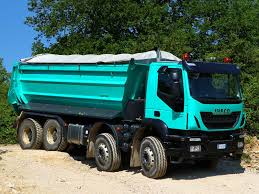 IVECO TRAKKER - TAKING THE