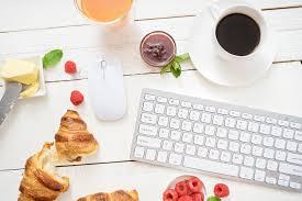 dejeuner bureau prendre petit déjeuner au travail gage d un bon management