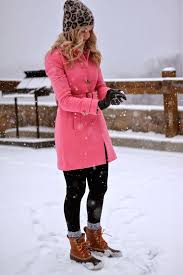 What To Wear In The Snow 13 Cute Warm Dry Outfit Ideas