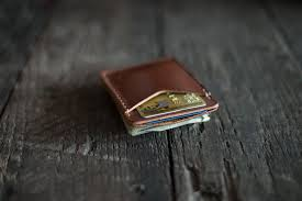 SLIM LEATHER CARD WALLET WITH MAGNETIC MONEY CLIP
