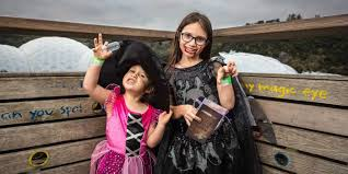 Woburn Halloween Parade by 100 Halloween Events Boston 2014 5 Things To Do In Salem