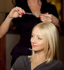 les différents statuts pour devenir coiffeuse à domicile