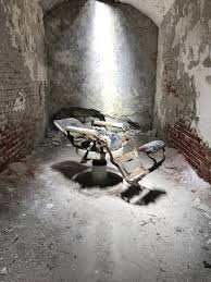 Eastern State Penitentiary Halloween Jobs by Eastern State Penitentiary Dentist U0027s Chair Oc 1512x2016