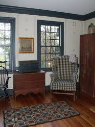 Primitive Living Rooms Pinterest by The 1800 House Antiques Colonial Decorating Colonial Design