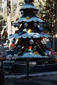 Christmas Tree Shop North Conway by Best 20 Santa U0027s Village Ideas On Pinterest Clay Pot Crafts