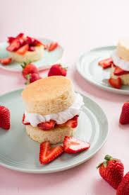 Recipes e Bowl Strawberry Shortcakes