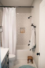 Small Modern Bathrooms Pinterest by Best 25 Modern Farmhouse Bathroom Ideas On Pinterest Modern