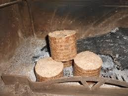 allumage d un poêle à bois avec du bois compressé avis sur un