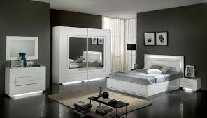 chambre a coucher blanc chambre à coucher complète blanc laqué modiva