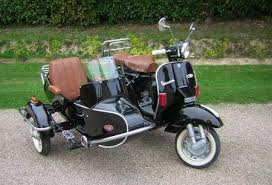 Cozy Retro W Vespa