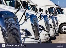 100 International Trucks Indianapolis Circa November 2016 Navistar Semi