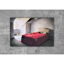 schlafzimmer mit rotem bett lost place leinwand druck fotografie 40x30cm wanddeko wandbild