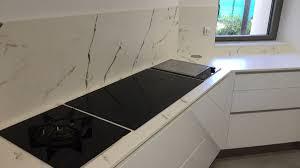 plaque granit cuisine spécialiste en plan de travail de cuisine lepage granit