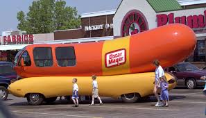 Wienermobile Drivers Wanted: Oscar Mayer Is Hiring New Hotdoggers ...