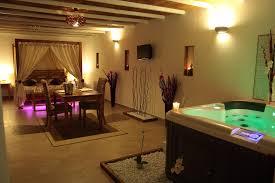 chambre avec spa privatif chambre amoureux cuisine moderne granit chambre luxe
