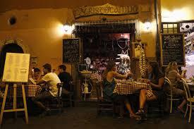 pates a l amatriciana les restaurateurs italiens invitent à manger des pâtes all