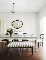 gepolsterte sitzbank und stühle vor bild kaufen
