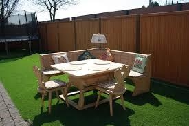 wunderschöne eßecke mit tisch eckbank und zwei stühlen