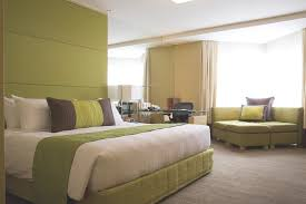 Awesome Luxury Hotel Bedroom Inspiring With Green Bed Framing Also F Foam Broken White Mattress Contemporary