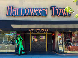 Halloween Town Burbank Ca by On The Grid City Guides By Local Creatives