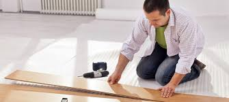 Vinyl Flooring Pros And Cons by 10 Laminate Flooring Pros U0026 Cons Vs Hardwood Vinyl Cork U0026 More