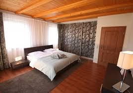 Schlafzimmer In Dachschrã Schlafzimmer Einrichten Mit Schiebetüren Raumax