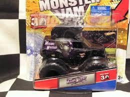 100 Mohawk Warrior Monster Truck Hot Wheels 2012 W Topps Card Jam On