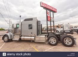 Kenworth Stock Photos & Kenworth Stock Images - Alamy 2019 Kenworth T880 Cedar Rapids Ia 5001774218 Mhc Truck Source Atlanta Trucksource_atl Twitter 2018 Hino 195 Denver Co 5002018976 Cmialucktradercom 2007 Peterbilt 379 For Sale By Kenworthtulsa Heavy Duty Grand Opening Of Oklahoma City Draws 500 2013 K270 0376249 Available At Charlotte Used 2015 Freightliner Ca12564slp Sales I0391776 T270 Tulsa Ok 5003534652 155 5002018970 587 Low Mileage Matching Units Centers For Sale Intertional 9400 From Pro 8664818543