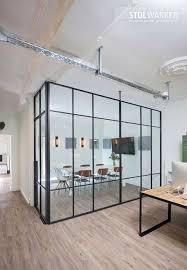stahl glas trennwand bürotrennwand raumteiler ideen