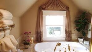Living Room Curtain Ideas For Small Windows by Decor Curtain Ideas For Small Windows Exquisite Curtain Ideas