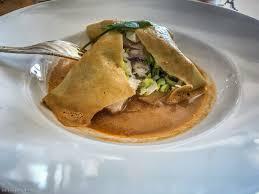 cuisine de la lotte lotte à la vapeur en lasagne fondue de poireaux bisque de