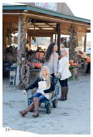 Pumpkin Picking Farms In Maryland by Pumpkin Patch Bff Session Salisbury Md Senior Portrait