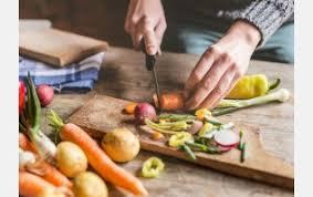 aide de cuisine aide à la personne courses ménage cuisine par dao330 ménage