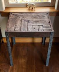 pallet wood end table google search make this pinterest