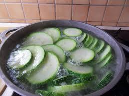 comment cuisiner des courgettes comment faire cuire ces courgettes les petits doigts d hélène