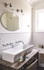 Double Faucet Trough Sink Vanity by La Salle De Bain Scandinave En 40 Photos Inspirantes Trough Sink
