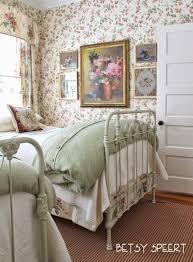 Best 25 Cottage Style Bedrooms Ideas On Pinterest