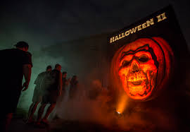 Halloween Horror Nights Frequent Fear Pass 2016 by Ten Scare Iffic Reasons To Try Universal U0027s Halloween Horror Nights