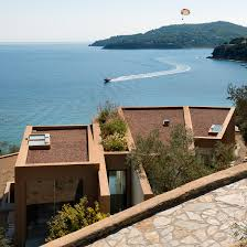 98 Pinterest Coastal Homes Greek Island Home By Lydia Xynogala Fans Out To Maximise Sea Views