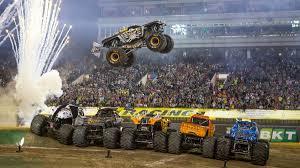 100 Monster Trucks El Paso Jam Hizo Vibrar Al Estadio Nico De La Plata Infobae