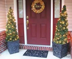 Outdoor Christmas Decorating Ideas Front Porch by 22 Best Outdoor Christmas Tree Decorations And Designs For 2017