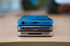 File Size parison of iPhone 5C 5S 4S Wikimedia mons