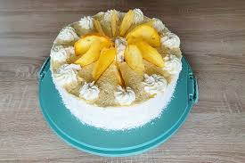 sommerliche torte mit kokos maracuja und mango