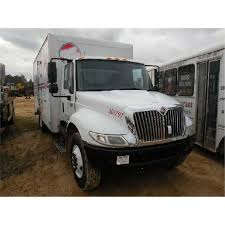 100 Commercial Truck Auction 2002 INTERNATIONAL 4300 SA REEFER TRUCK JM Wood Company