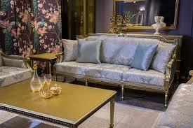 casa padrino luxus barock sofa hellblau gold 206 x 72 x h 103 cm wohnzimmer sofa mit elegantem muster und dekorativen kissen barock wohnzimmer
