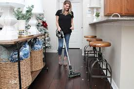 Bissell Hardwood Floor Cleaners by How To Keep Hardwood Floors Clean Year Round With Bissell