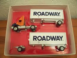 100 Winross Trucks For Sale Roadway Express Doubles 1997 Tractor Trailer Truck Diecast
