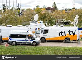 Tv Truck With Satellite Parabolic Antenna Frm N24 Channel – Stock ... Tv News Truck Stock Photo Image Royaltyfree 48966109 Shutterstock Free Images Public Transport Orlando Antique Car Land Vehicle With Sallite Parabolic Antenna Frm N24 Channel Millis Transfer Adds Incab Sat Tv From Epicvue To 700 Trucks Custom Signs Signage Design Nigelstanleycom Toronto On Touring The Nettv Hd Remote The Travelin Librarian Mobile Group Rolls Out Latest Byside Dualfeed With Rocky Ridge On Twitter Another Big Bad Drop Zone Matchbox Cars Wiki Fandom Powered By Wikia Wgntv Truck Chicago Architecture Uplink Communications Transmission Dish A Mobile
