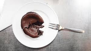 schokoladenküchlein mit flüssigem kern und espresso schädels