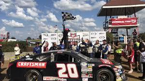 Dirt Master Logan Seavey Wins First ARCA Race At DuQuoin | Autoweek